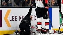 NHL斯科特·萨布林与布鲁因的戴维·贝克斯发生可怕的碰撞