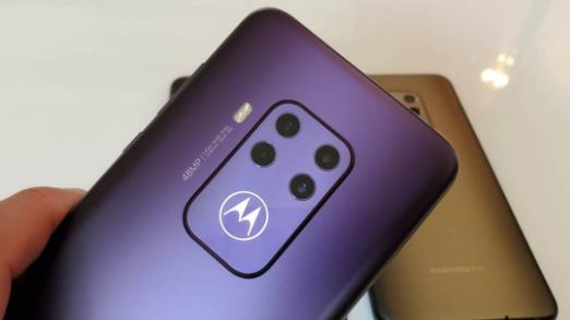 摩托罗拉One Zoom首次亮相 像素预计为48百万像素的Android