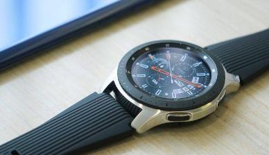 评测三星 Galaxy Watch好不好及Apple Watch Series 4 智能手表怎么样
