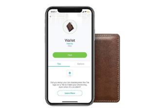Nomad Slim Wallet带有隐形跟踪磁贴的口袋