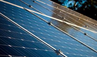 Facebook发誓要在2020年前使用100%可再生能源