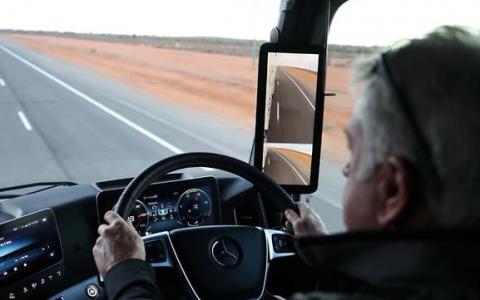 调查发现高科技相机将淘汰汽车后视镜