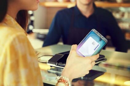 如何在最新的Galaxy设备上设置Samsung Pay并添加信用卡