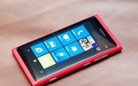 评测:诺基亚Lumia 710功能及像素内存怎么样