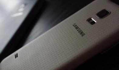 自三星推出旗舰产品GalaxyS5智能手机以来我们一直在想设备的迷你版本何时发布