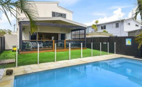 黄金海岸泰坦妓女内森佩斯NathanPeats列出了棕榈滩的家