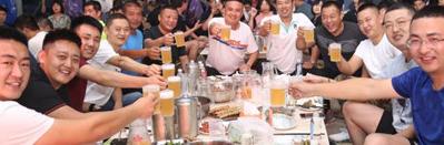 街道大力推介老船夫等本土特色啤酒企业