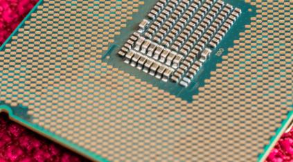 英特尔的CometLake-S台式机CPU提供多达10个计算内核