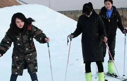 东山滑雪场滑道已经初具规模