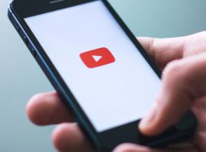 YouTube将通过协作播放列表等新功能将其提高到11种