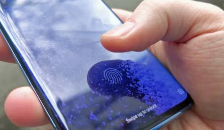 安卓手机将在2021年获得更快更大的屏幕指纹扫描仪