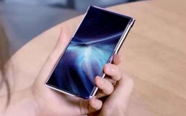 TCL确认今年将推出可卷曲或可折叠手机