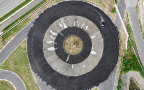 保时捷Taycan以惊人的表现进入吉尼斯世界纪录