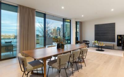 东墨尔本的Eastbourne综合楼副顶层公寓出售