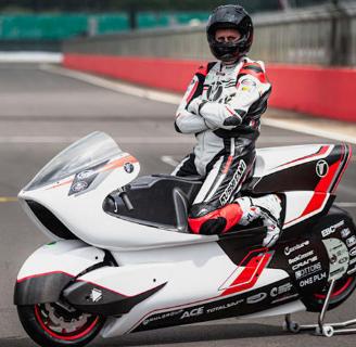 碳纤维电动摩托车准备打破陆地速度记录