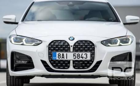 宝马设计师回应对新车型巨大鼻孔的批评